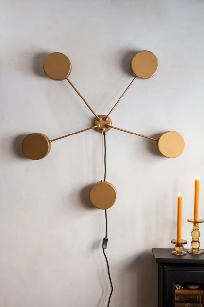Close-up image of the Art Deco Statement Wall Light on the wall