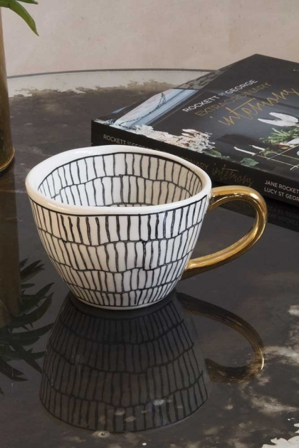 Lifestyle image of the Ceramic Capetown Cup