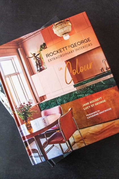 Front cover of Extraordinary Interiors in Colour by Jane Rockett & Lucy St George