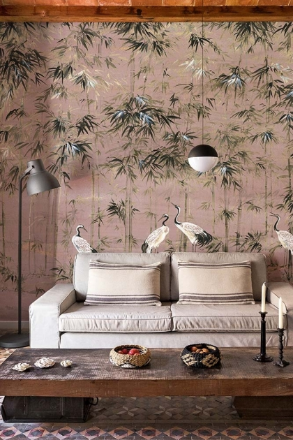 Lifestyle image of the Chinoiserie Wallpaper Mural - Garzas Rose Pink