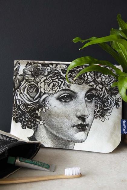 Flower Lady Wash Bag / Make-Up Bag