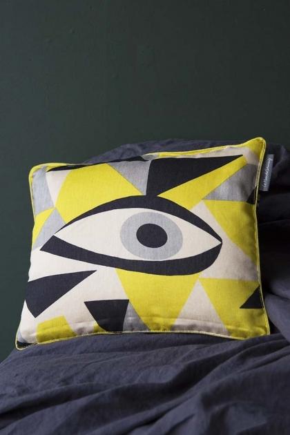 Momoko Silk Eye Cushion - Jaune Yellow
