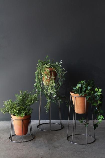Set Of 3 Iron Standing Pot Holders & Pots