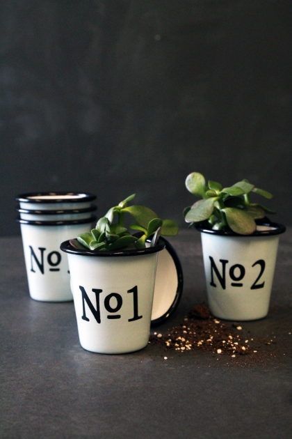 Set Of 6 Enamel Numbered Pots/Cups