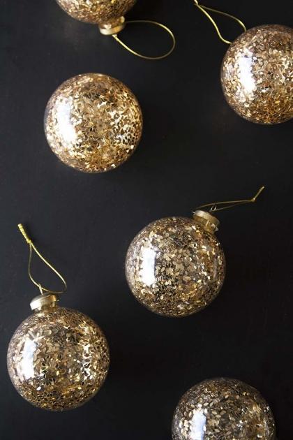 Set Of 6 Gold Leaf Bauble Hanging Decorations