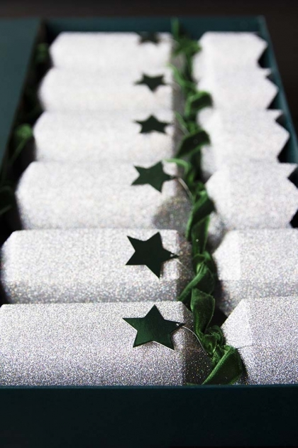 Set Of 6 Ice Grey Christmas Crackers With Star Motif