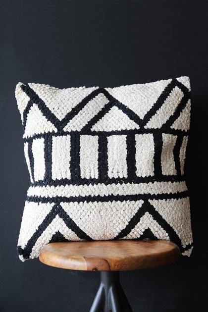 Black & White Zig Zag Cushion