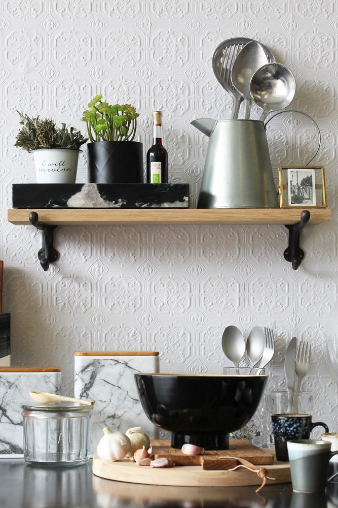 Smalle Kast Wit.Oak Shelf With Cast Iron Brackets Small Rockett St George