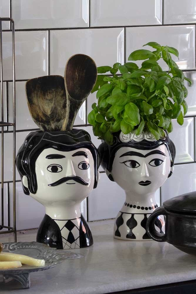 3fb63f1010f0 Black & White Mexican Couple Vases