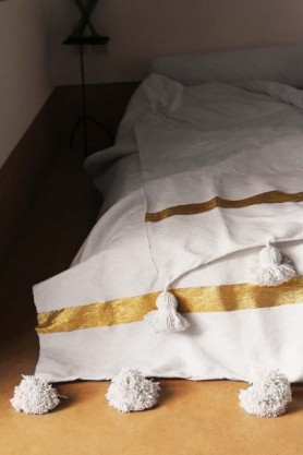 Cotton Pom Pom Blanket 200x300cm - White With Gold Stripe
