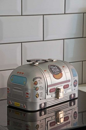 Image of the Airstream-Style Food Truck Lunch Box with the lid closed