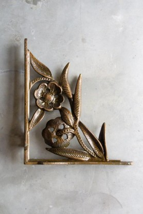 Image of the Antique Brass Wall Bracket - Flower Leaf
