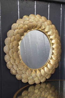 Image of the Round Mirror With Antique Gold Shell Layers