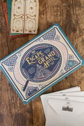 Image of the Escape From The Grand Hotel Game box and contents