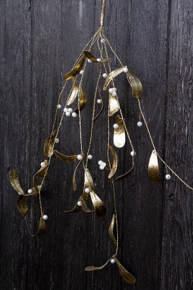Close-up lifestyle image of the Golden Mistletoe Christmas Decoration