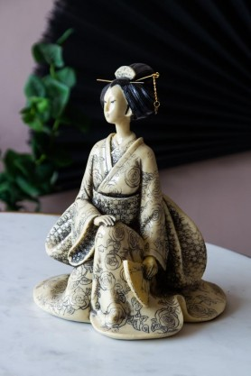 Lifestyle image of the Beautiful Oriental Geisha Ornament
