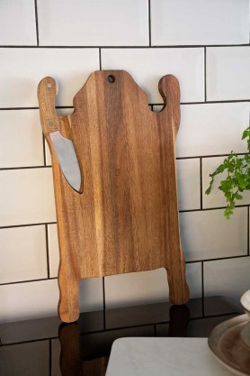 Lifestyle image of the Tiger Serving Board & Magnetised Knife