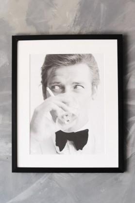 Unframed La Galerie Photo - Roger Moore