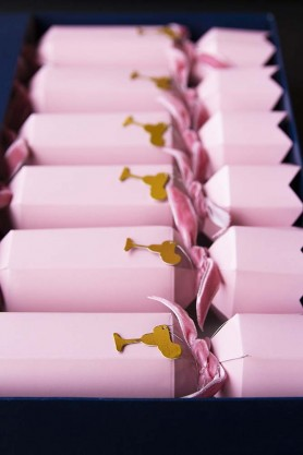 Set Of 6 Pink Christmas Crackers With Cocktail Motif