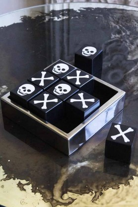 Lifestyle image of the Quality Skulls Noughts & Crosses Game