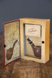 Image of the box for the Sherlock Holmes Game: The Case Of The Smoking Pipe open