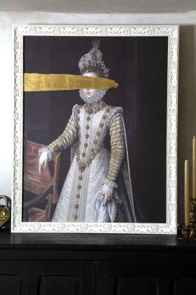 Lifestyle image of the Large Framed Oil Painting Of An Incognito Lady