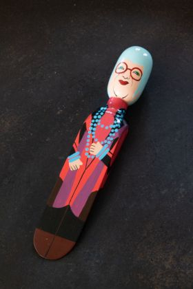 Image of the Iris Apfel Doorstop