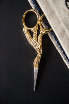 Image of the Ornate Bird Scissors and a stationery case