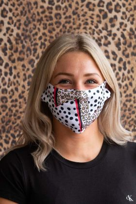 Lifestyle image of the Polka Dot Lightening Face Mask By Rachel Waite