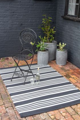 Recycled Plastic Striped Rug Suitable For Outdoors