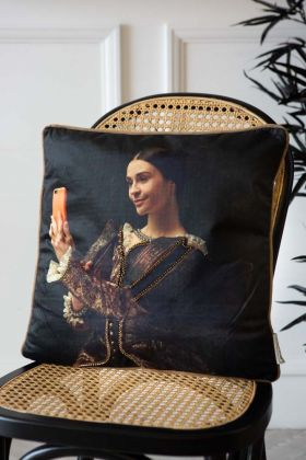 Image of the Regal Selfie Velvet Cushion