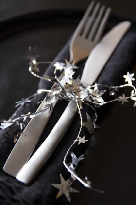 Shimmering Silver Star Wire Garland