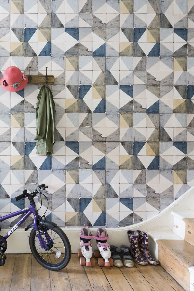 lifestyle image of smink things recubed, cubes deconstructed wallpaper