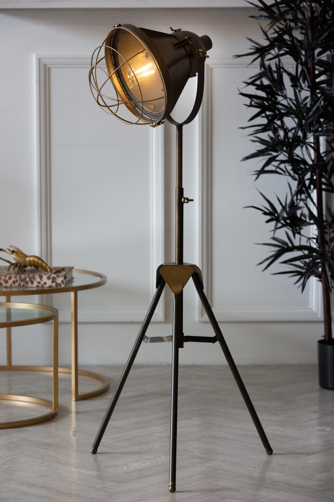Industrial Style Battery Powered Tripod, Battery Powered Floor Lamps